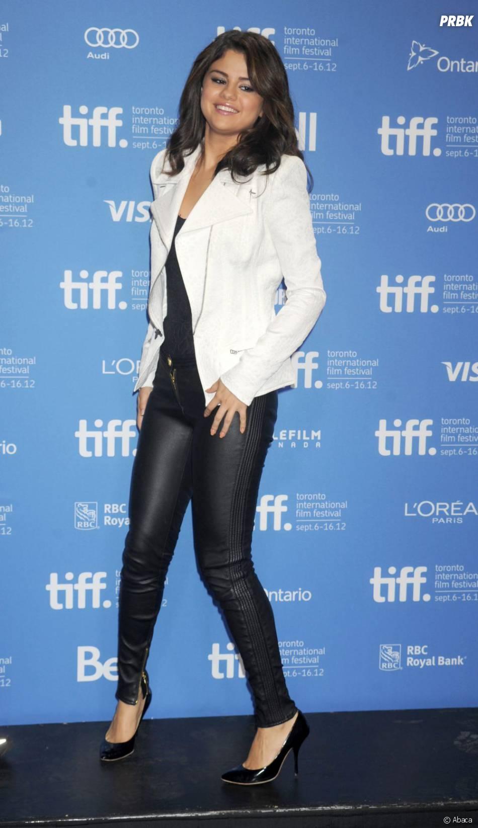 Le legging noir de Selena Gomez a affolé les paparazzis à Toronto