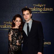 Robert Pattinson et Kristen Stewart : amoureux et enlacés au restaurant