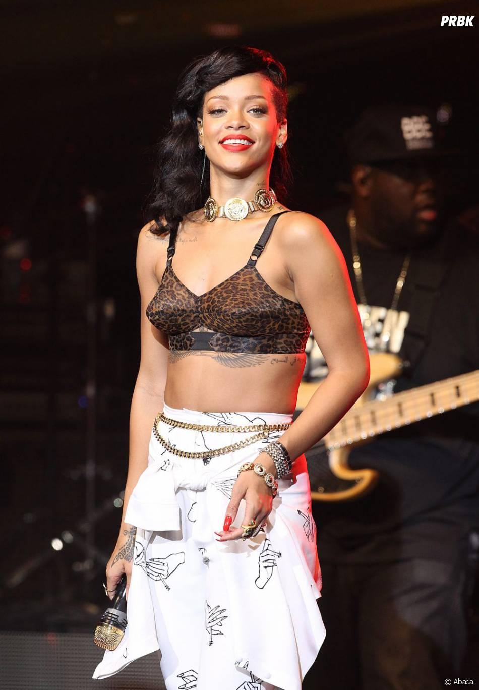 Rihanna adore poster des photos sexy pour démentir les rumeurs