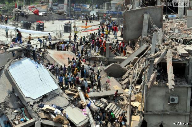 Un immeuble s'est effondré près de Dacca au Bangladesh