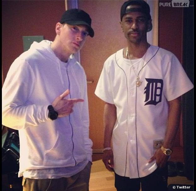 Eminem et Big Sean pose côte à côte dans un studio de Détroit