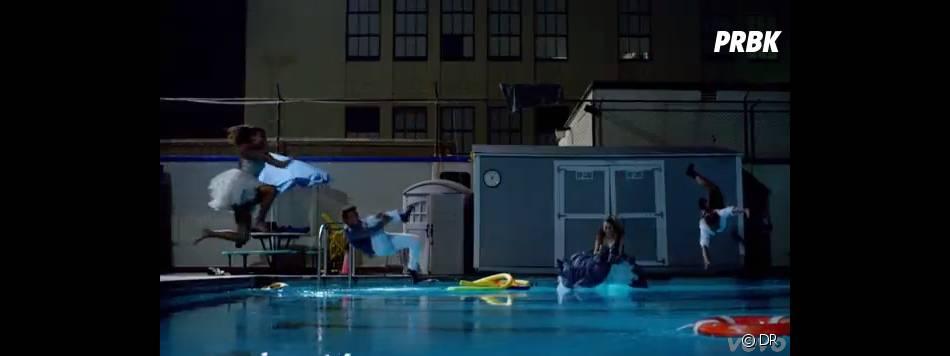Baignade dans la piscine pour tout le monde
