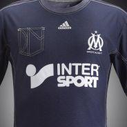 """Nouveau maillot de l'OM : """"horrible et laid"""", les tacles fusent sur Twitter"""