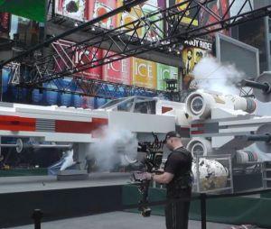 Un X-Wing géant sur Times Square