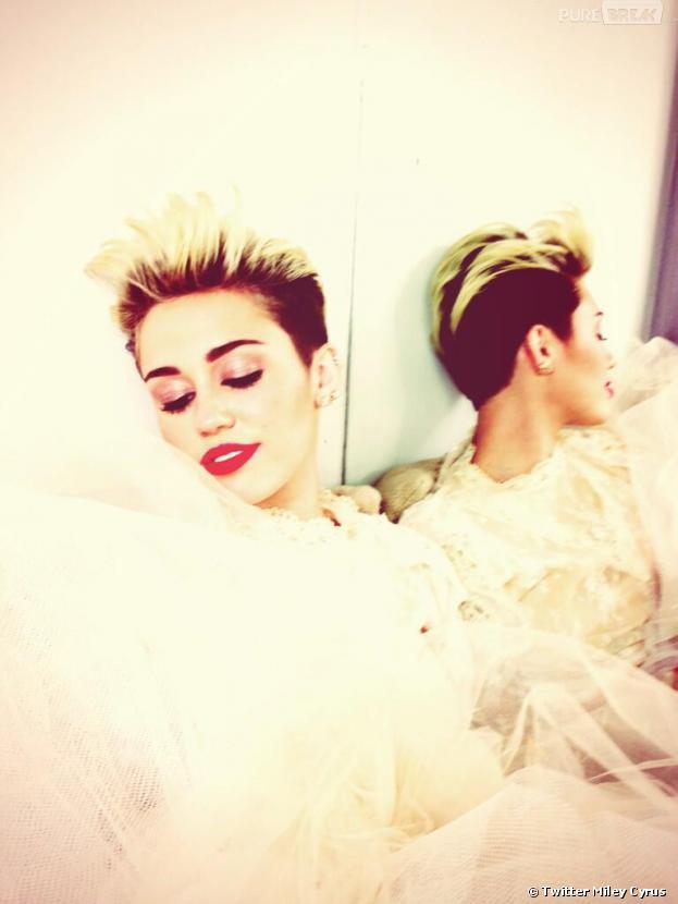 Miley Cyrus en robe de mariée sur Twitter après sa rupture