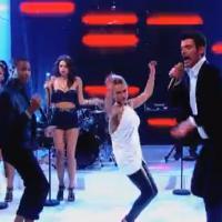 Hayden Panettiere : show sexy aux côtés de Robin Thicke et Pharrell Williams
