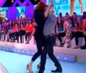 Jean-Marc Généreux et Audrey Fleurot improvisent un tango sur le plateau des Enfants de la télé