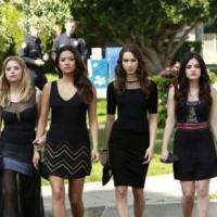 Pretty Little Liars saison 4 : un mort et des révélations dans l'épisode 1 (SPOILER)