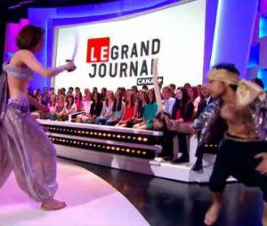 Doria Tillier rend hommage à Ali Baddou sur le plateau du Grand Journal