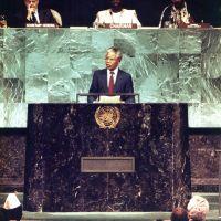 """Nelson Mandela : dans un état """"critique"""", sa fille réagit"""