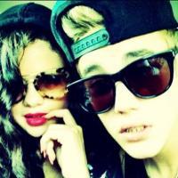 Justin Bieber et Selena Gomez en couple ? Même sa mère a du mal à suivre leur histoire