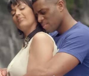"""Sheryfa Luna et Axel Tony dans le clip """"Sensualité""""."""