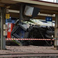 Brétigny-sur-Orge : les cadavres pillés et les secours caillassés ? Après le drame, le dégoût