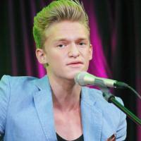 """Cody Simpson : """"Mes fans sont normaux et c'est ce que j'aime"""" (INTERVIEW)"""