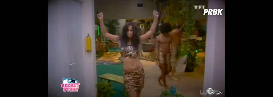Secret Story 7 : Emilie en mode Nicki Minaj pendant la soirée jungle