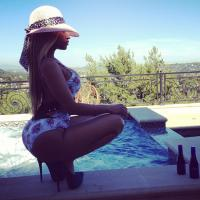 Nicki Minaj exhibe (encore) son booty sur Instagram
