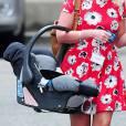 Kate Middleton : un siège bébé livré à la maternité, le 27 juillet 2013 au St Mary's Hospital de Londres