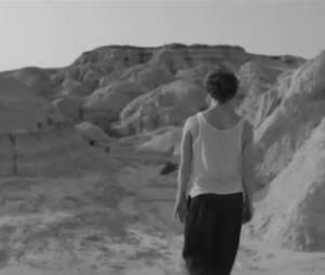 """Vanessa Paradis - Les espaces et les sentiments, le clip extrait de l'album """"Love Songs"""""""