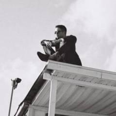 Robert Pattinson charmeur sur les premières photos de la campagne Dior