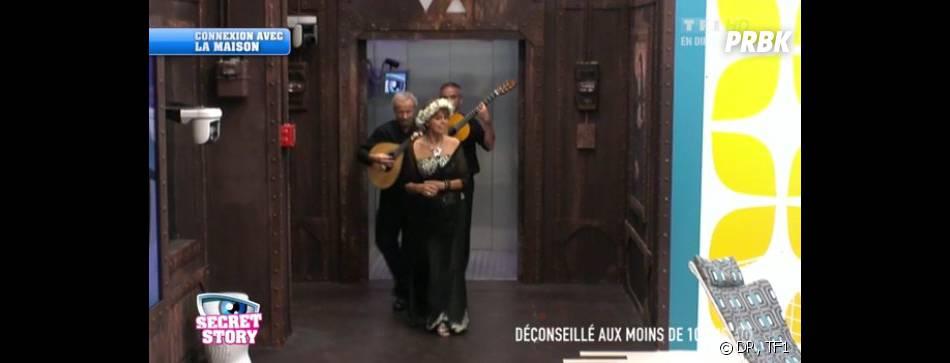 Secret Story 7 : une étrange inconnue fait son entrée dans la Maison des secrets