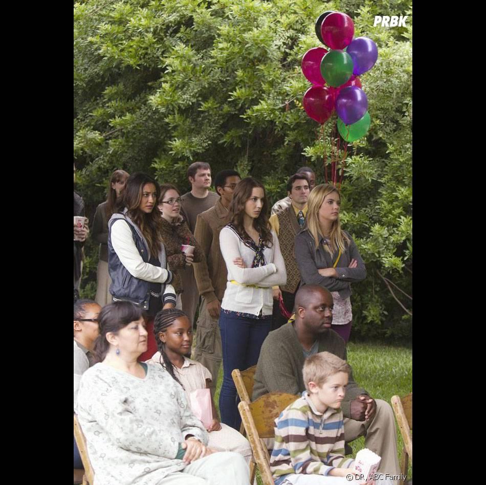Pretty Little Liars saison 4, épisode 12 : Shay Mitchell, Troian Bellisario et Ashley Benson à Ravenswood