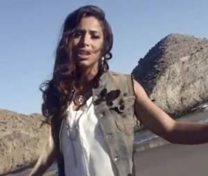 Zaho dans le clip de Tourner la page