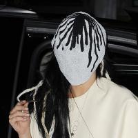 Lady Gaga se prend pour Spiderman à la Fashion Week de New-York