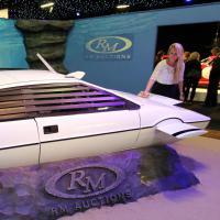 James Bond : plus de 700 000 euros pour sa voiture aquatique