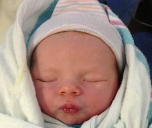 Fergie et Josh Duhamel ont dévoilé deux photos de leur fils Axl Jack Duhamel sur Facebook et Instagram