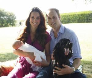 Kate Middleton, le Prince William et le Prince George : l'une des photos officielles prises à Berkshire