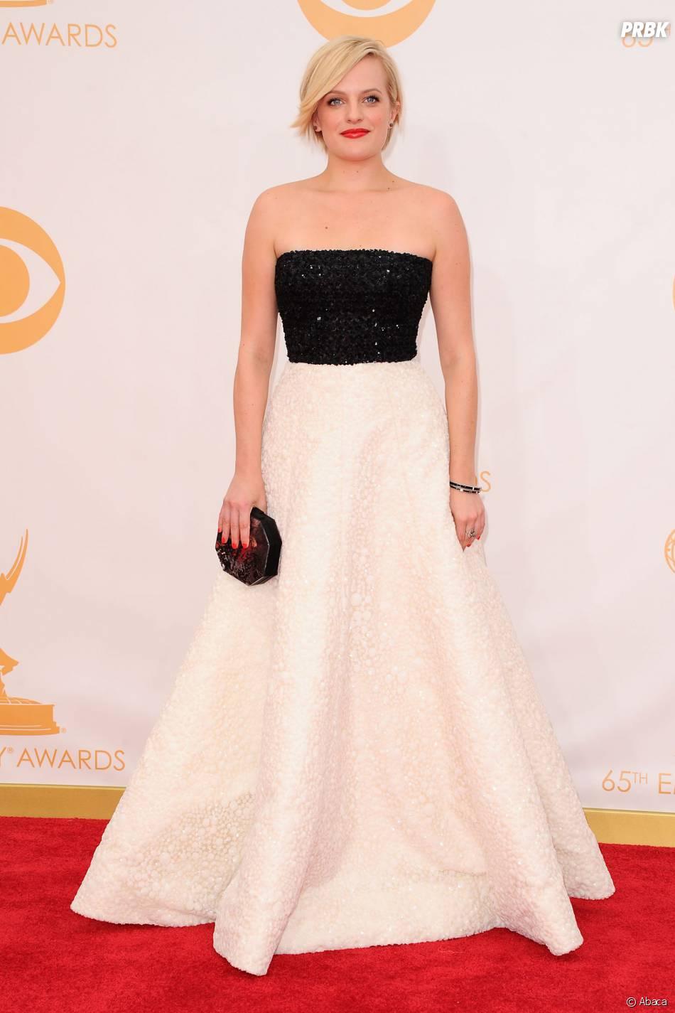Elizabeth Moss aux Emmy Awards 2013 le 22 septembre 2013 à Los Angeles