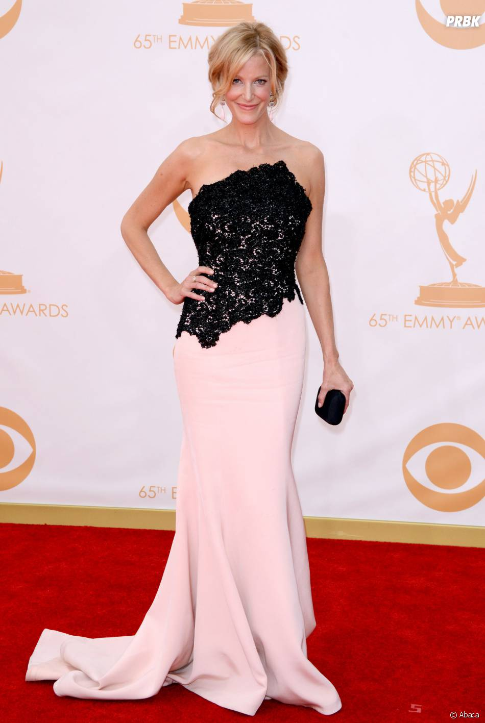 Anna Gunn aux Emmy Awards 2013 le 22 septembre 2013 à Los Angeles
