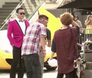 Psy sur le tournage d'une publicité à Hong Kong le 3 octobre 2013