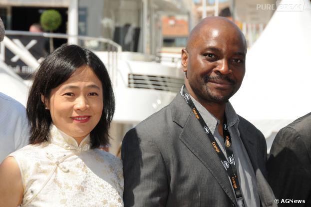 Emil Abossolo-Mbo (à droite) bientôt de retour dans Plus belle la vie