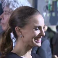 Thor 2 : Natalie Portman et Chris Hemsworth, duo glamour sur le tapis rouge