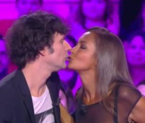 Karine Le Marchand : elle embrasse Christophe Carrière sur la bouche dans TPMP, le 6 janvier 2014 sur D8