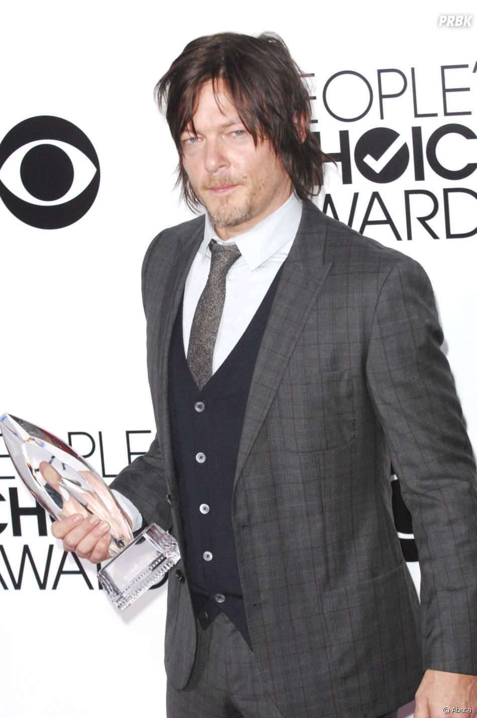 People's Choice Awards 2014 : Norman Reedus reçoit le trophée de meilleure série du câble pour The Walking Dead