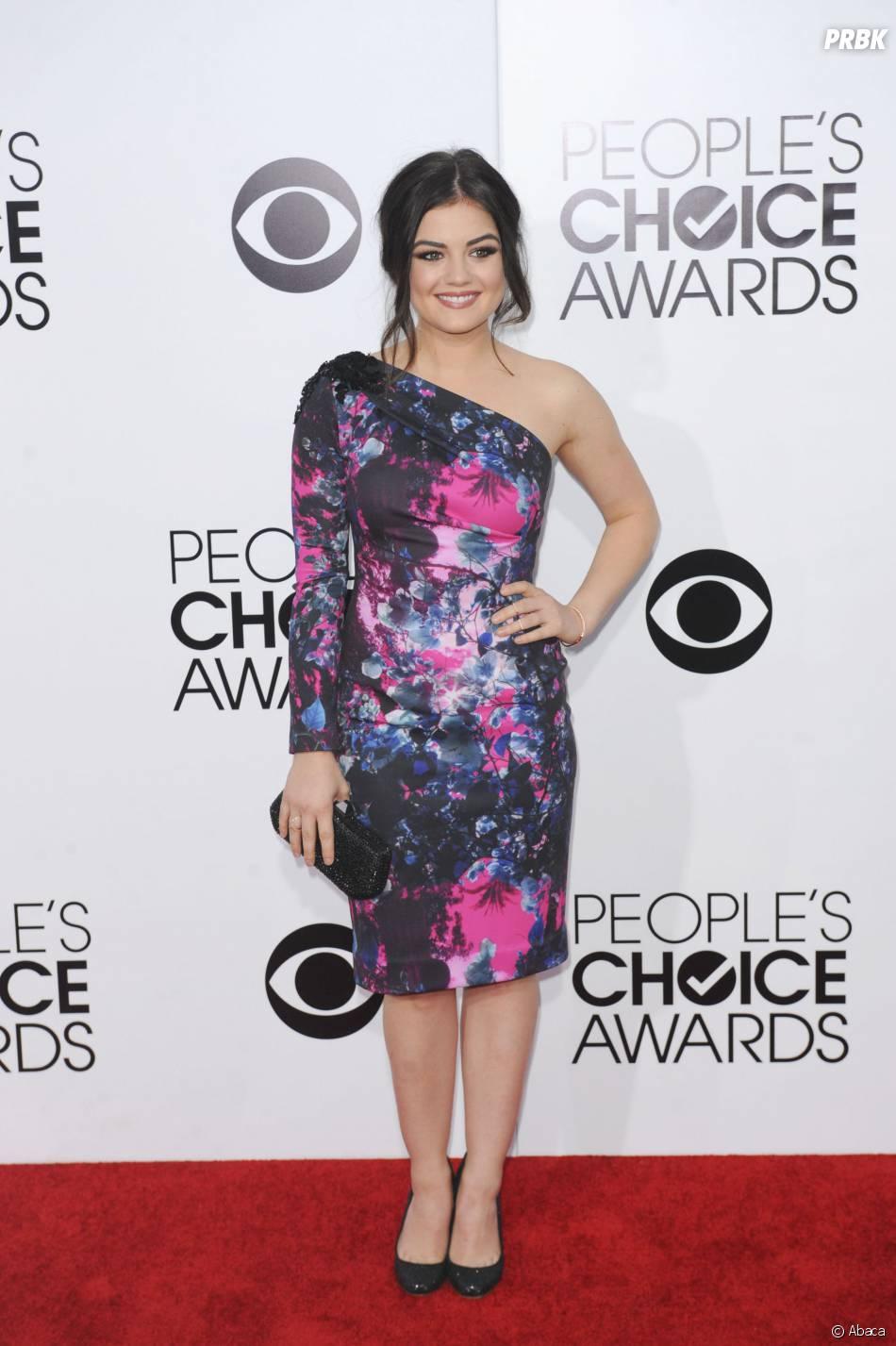 People's Choice Awards 2014 : Lucy Hale gagnante du prix de meilleure actrice du câble