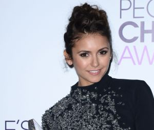 People's Choice Awards 2014 : Nina Dobrev et son trophée