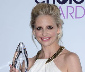 People's Choice Awards 2014 : Sarah Michelle Gellar et son trophée