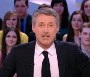 Antoine de Caunes dévoile ses télé-commandements dans Le Grand Journal