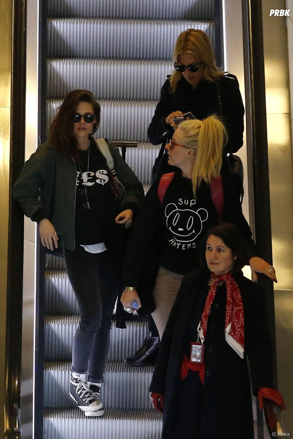 Kristen Stewart et ses amies, le 3 février 2014 à Paris