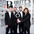 Bastille gagnants aux Brit Awards 2014 le 19 février à Londres