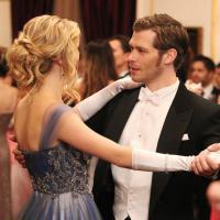 """The Vampire Diaries saison 5 : """"fin de l'histoire"""" pour Klaus et Caroline"""