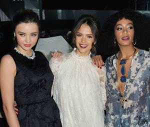 Miranda Kerr, Jessica Alba et Solange Knowles au défilé H&M pendant la Fashion Week de Paris, le 26 février 2014