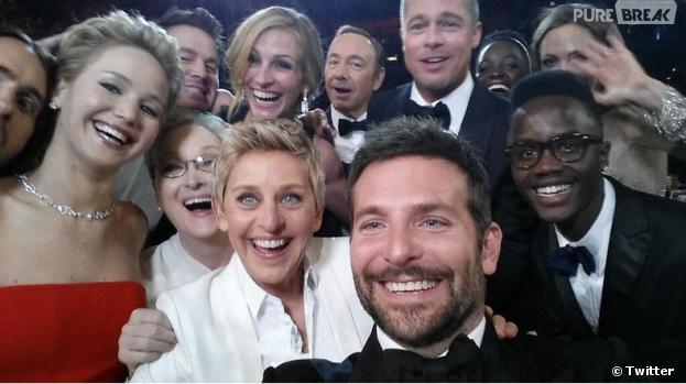 Bradley Cooper, Jennifer Lawrence, Ellen DeGeneres, Brad Pitt... sur le meilleur selfie des Oscars 2014, le 2 mars 2014