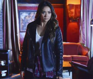 Pretty Little Liars saison 4, épisode 24 : Shay Mitchell