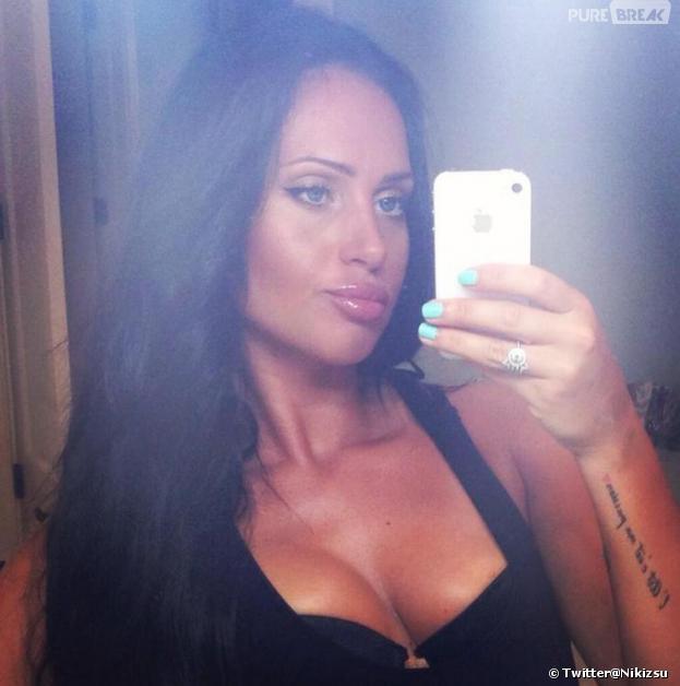 Giuseppe Ristorante : Nikki en mode selfie sur Twitter