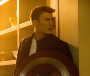 Captain America : Chris Evans face à Ben Affleck et Henry Cavill au cinéma en 2016