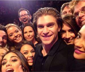 Pretty Little Liars : les acteurs refont le selfie des Oscars 2014
